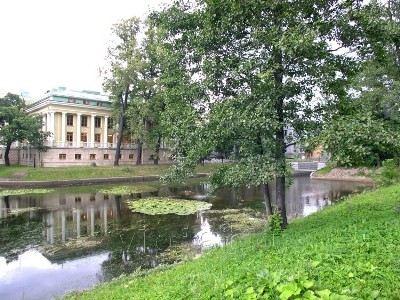 Элитная недвижимость Санкт-Петербурга востребована немного меньше