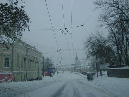 В Москве из-за мощного циклона ожидаются снегопады и гололед.