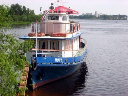 В Ленинградской области неизвестные пытались угнать теплоход с территории Новоладожского судостроительного завода.