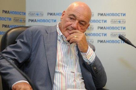 Владимира Познера депутат-единорос хочет уволить с Первого канала за то, что он сравнил Следственный комитет с КГБ.