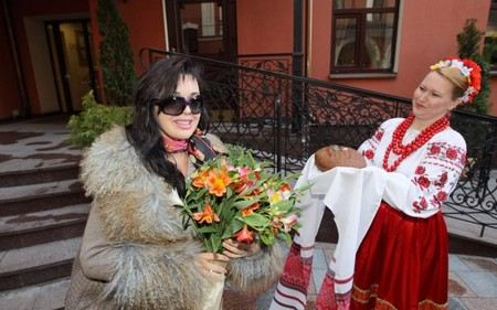 Шоу «Настя» на Первом канале закрыли из-за низких рейтингов.