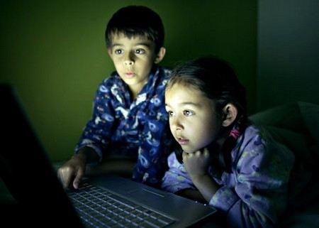 Роскомнадзор включил в черный список сайтов 6 интернет-сайтов содержащих детскую порнографию.