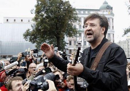 Юрий Шевчук назвал приговор Pussy Riot средневековым.