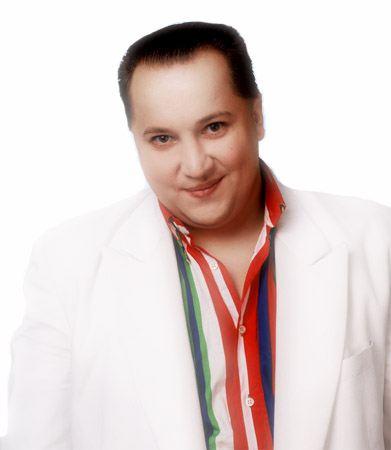 Суд города Химки в Подмосковье приговорил фрик-певца Константина Крестова к 5,5 годам заключения.