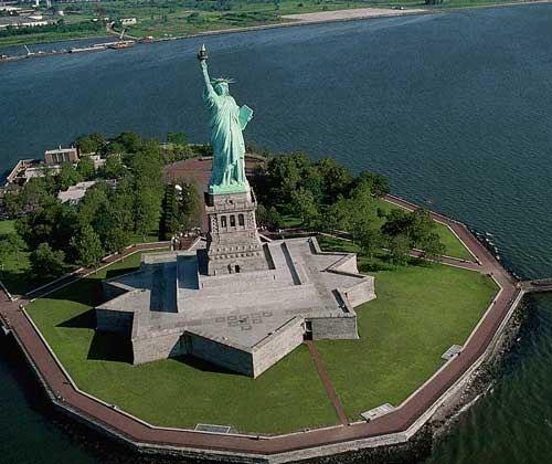 Судьба Статуи Свободы пока неизвестна