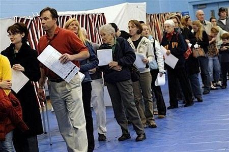 В США открыты первые избирательные участки, проголосовали 47 человек