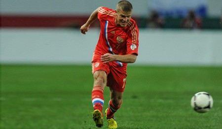 Футбольный клуб «Зенит» опроверг сообщение об увеличении зарплаты полузащитника Игоря Денисова.