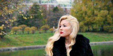 Дочь Анастасии Завортнюк вызвала неудомение у публики своей ролью в нецензурном клипе школьника из Пензы.
