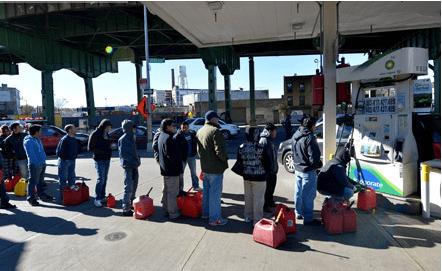 Очередь за бензином в Нью-Йорке