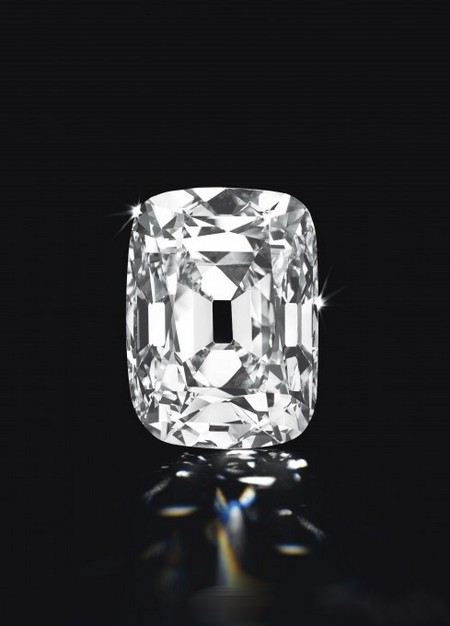 На аукционе Christie`s за 21,5 млн долларов был продан бриллиант «Эрцгерцог Иосиф» (Archduke Joseph)