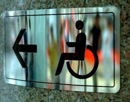 Верховный суд решил оставить авиакомпаниям право отказывать в перелете инвалидам на колясках.