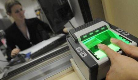 ФМС готова выдавать заграничные паспорта с отпечатками пальцев владельца.