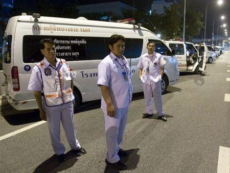 В Тайланде в отеле на острове Пхукет было найдено тело 27-летнего россиянина Петра Завьялова с бутылкой виски и букетом роз в руках.