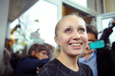 Надежда Толоконникова и Мария Алехина из Pussy Riot больше не сотрудничают с Фейгиным и Волковой.