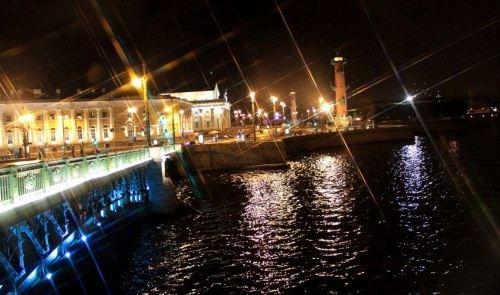 Дворцовый мост закрылся на ремонт