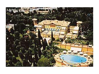Абрамович предпочитает замок в Европе