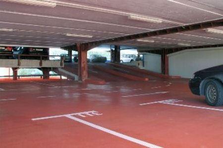 Наливные полы в гараже и паркинге - оптимальное решение проблемы