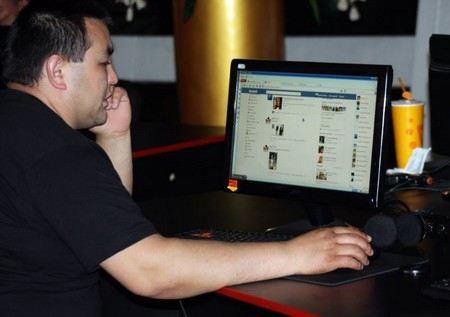 Власти Таджикистана требуют Марка Цукерберга для переговоров по поводу блокировки Facebook.