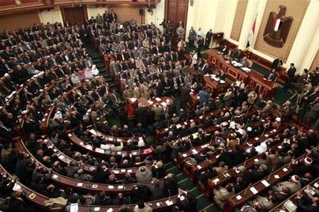В Египте ассамблея приняла окончательный проект Конституции.