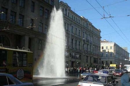 В пятницу, около 10:30 в Москву из Санкт-Петербурга были доставлены 4 фигуранта уголовного дела, подозреваемые в хищениях в сфере ЖКХ.