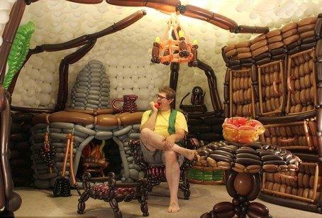 Дом хоббита построен из 2600 шаров