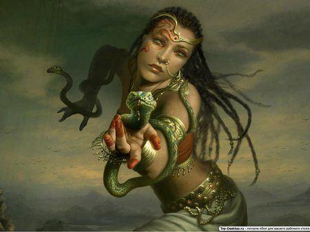 Женщина змея