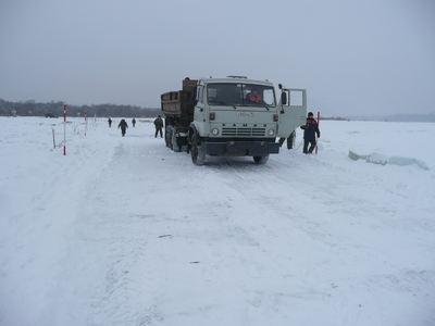 Началась перевозка груза по ледовым переправам