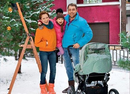 Телеведущая и спортсменка Мария Киселева разводится с мужем Владимиром Кирсановым.
