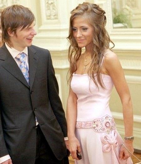 Андрей Аршавин бросил жену с тремя детьми и ушел к модели.