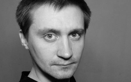 В квартире у режиссера проекта «Срок» Павла Костомарова прошел обыск.
