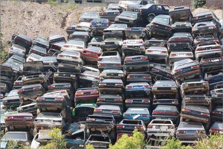 Свалка китайских авто, у которых закончилась лицензия