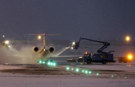 В Европе в выходные из-за снегопадов погибли более 20 человек.