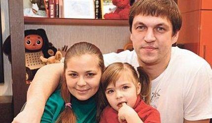 С бывшей женой и дочкой