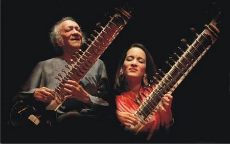 В больнице в Калифорнии в США умер Рави Шанкар - самый известный индийский музыкант.
