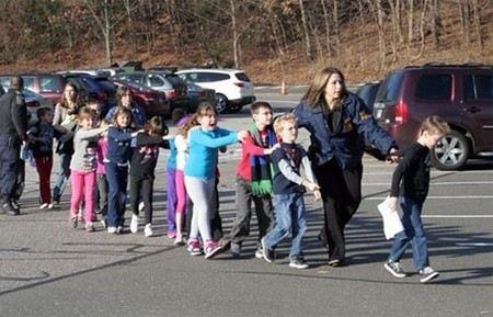 Пан Ги Мун осудил бойню в начальной школе в США
