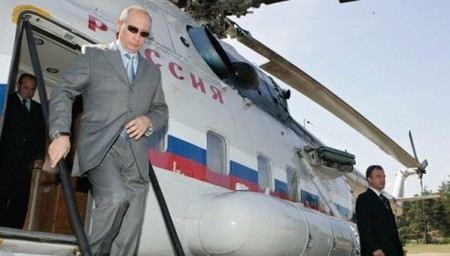 Для Путина и Медведева в Кремле построят вертолетные площадки.