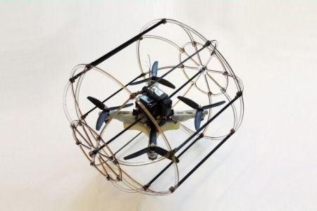 Новый робот умеет и летать, и ездить