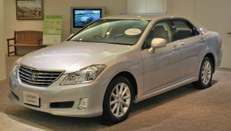 Toyota Crown Royal