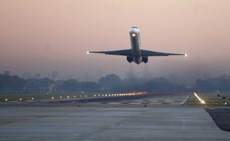 В аэропорту Саранска самолет со спортсменами выехал за пределы ВПП.