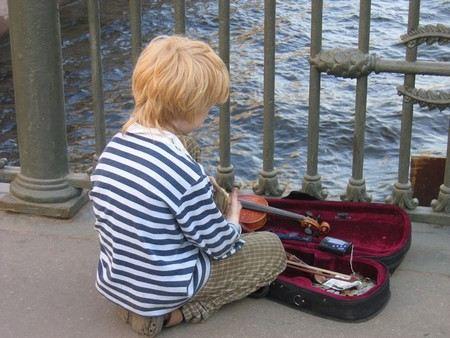 Мальчик-сирота из Челябинска просит у Путина отпустить его в США.