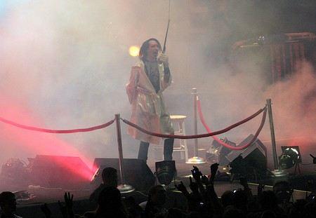 Мэрилин Мэнсон хочет, чтобы температура на сцене во время его выступлений была 17 градусов.