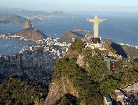 Жерар Депардье хочет стать Бразильцем.