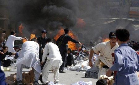 Количество жертв двойного взрыва в клубе в Пакистане достигло 114 человек.