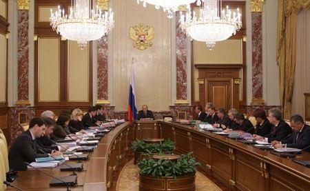 Дмитрий Медведев дает право оценивать работу министров только президенту.