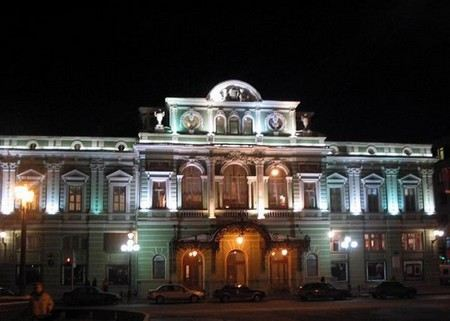«Национальный комитет+60» хочет пригласить Депардье на роль худрука Большого драматического театра в Санкт-Петербурге.