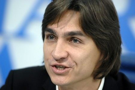 The police called the main version of the artistic director of the Bolshoi Theater.