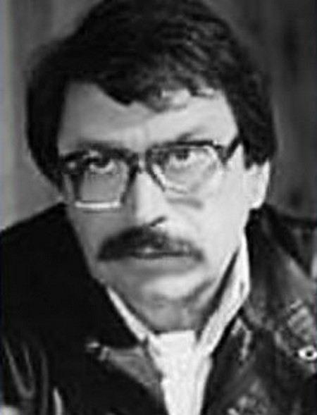 В возрасте 68 лет умер известный режиссер, автор популярных стихов к песням Антонова и Игоря Крутого Александр Борисович Косарев.