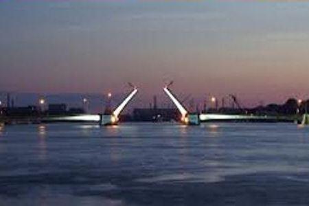 Тучков мост будут разводить несколько ночей