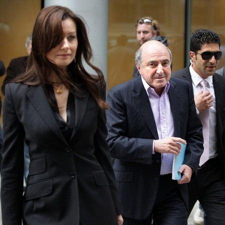 В Великобритании суд решил «заморозить» активы Бориса Березовского из-за иска бывшей гражданской жены Елены Горбуновой.