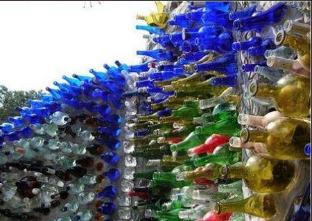 И все из бутылок